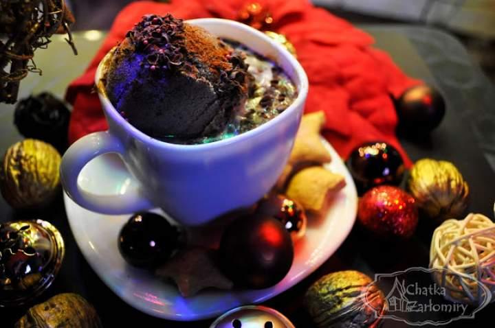 Czekoladowa kawa z lodami chili