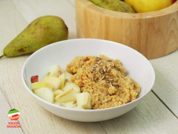 Śniadaniowa kasza jaglana z gruszką