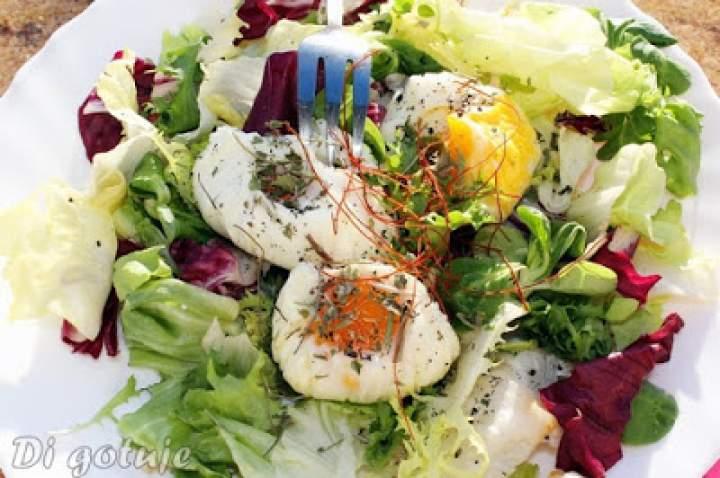 Sakiewki – jajka gotowane w folii spożywczej