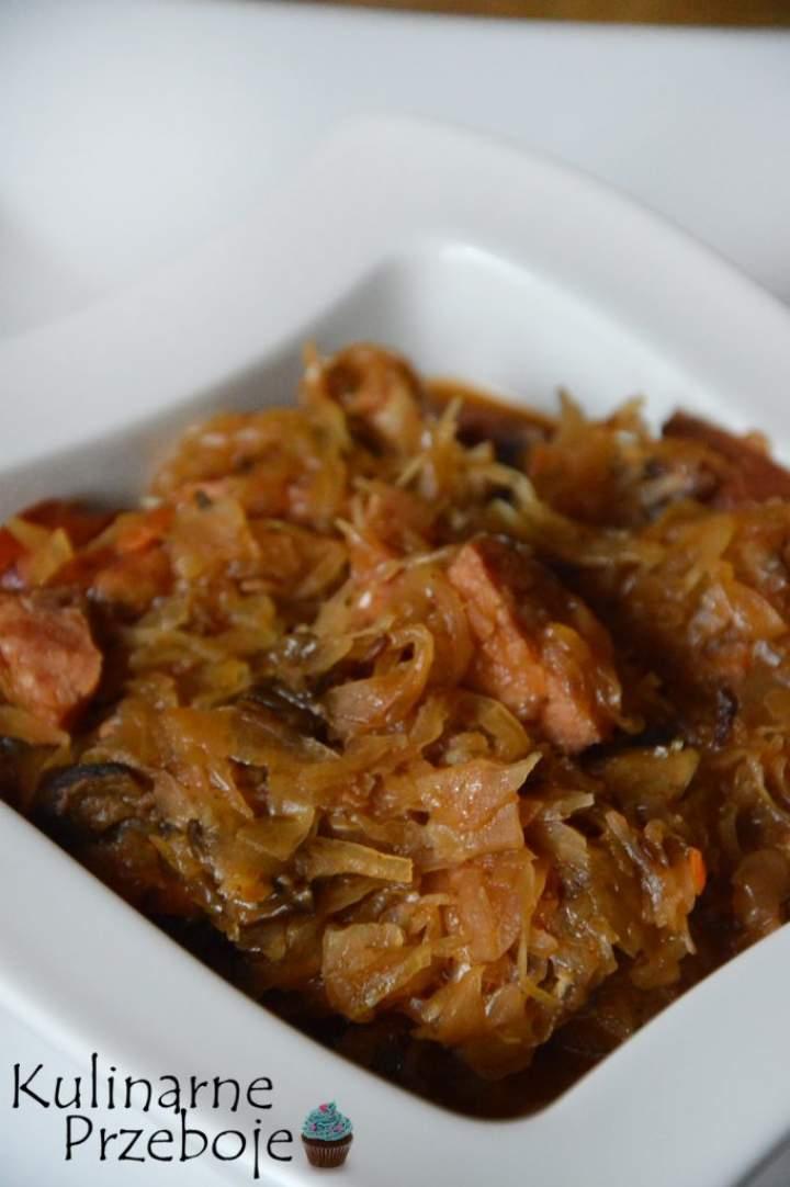 Bigos z kiszonej kapusty – łatwy i pyszny!