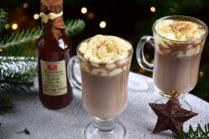Gorąca czekolada zsyropem korzennym