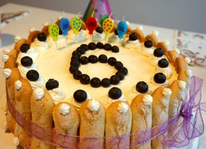 Tort truskawkowy na 6 urodziny