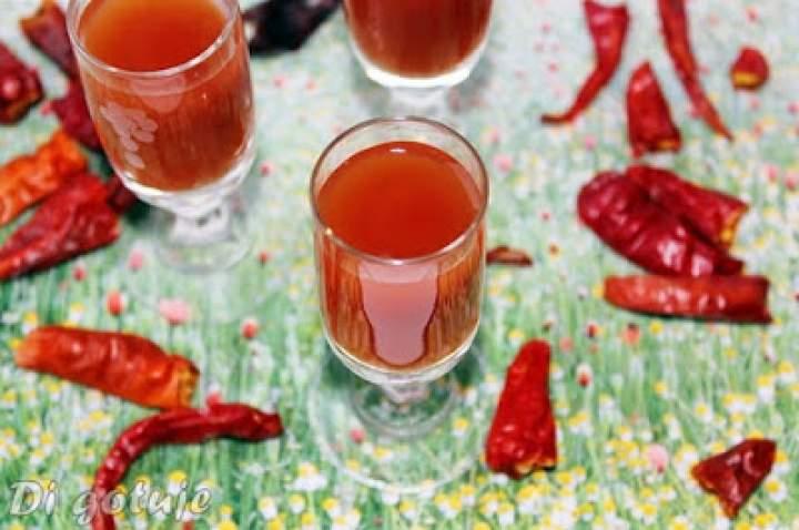 Russian Bloody Mary/Rosyjska Krwawa Marysia – shot z sokiem pomidorowym