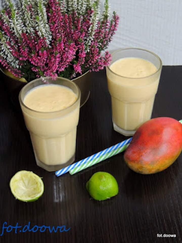 Mango lassi sezamowe z limonką