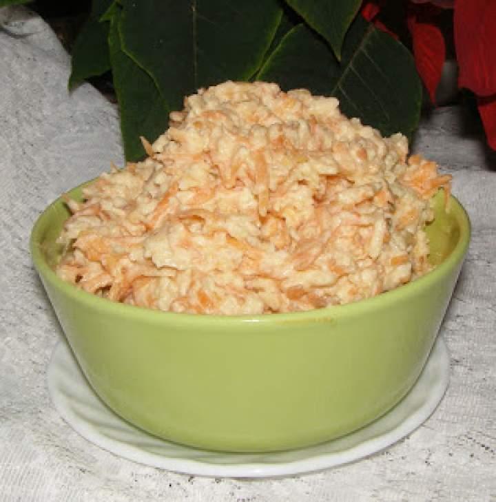 surówka marchewkowa z chrzanem i jabłkiem…