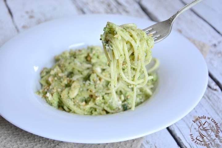 Spaghetti w sosie brokułowym