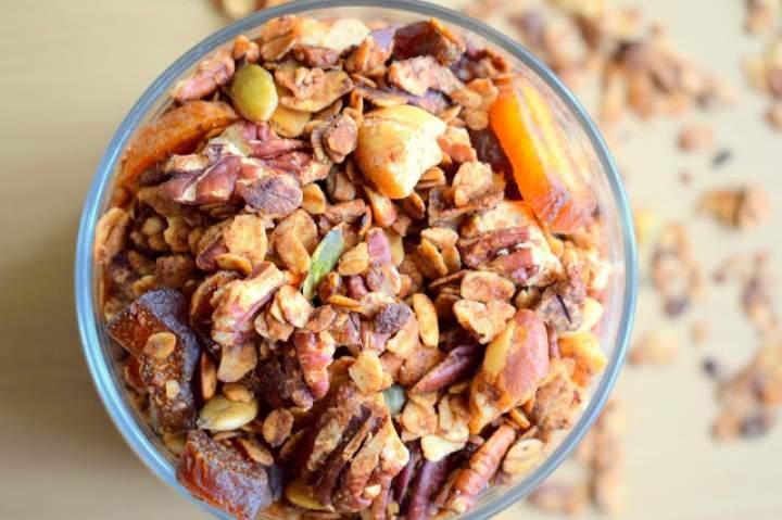 Granola pecanowo-cynamonowa :)
