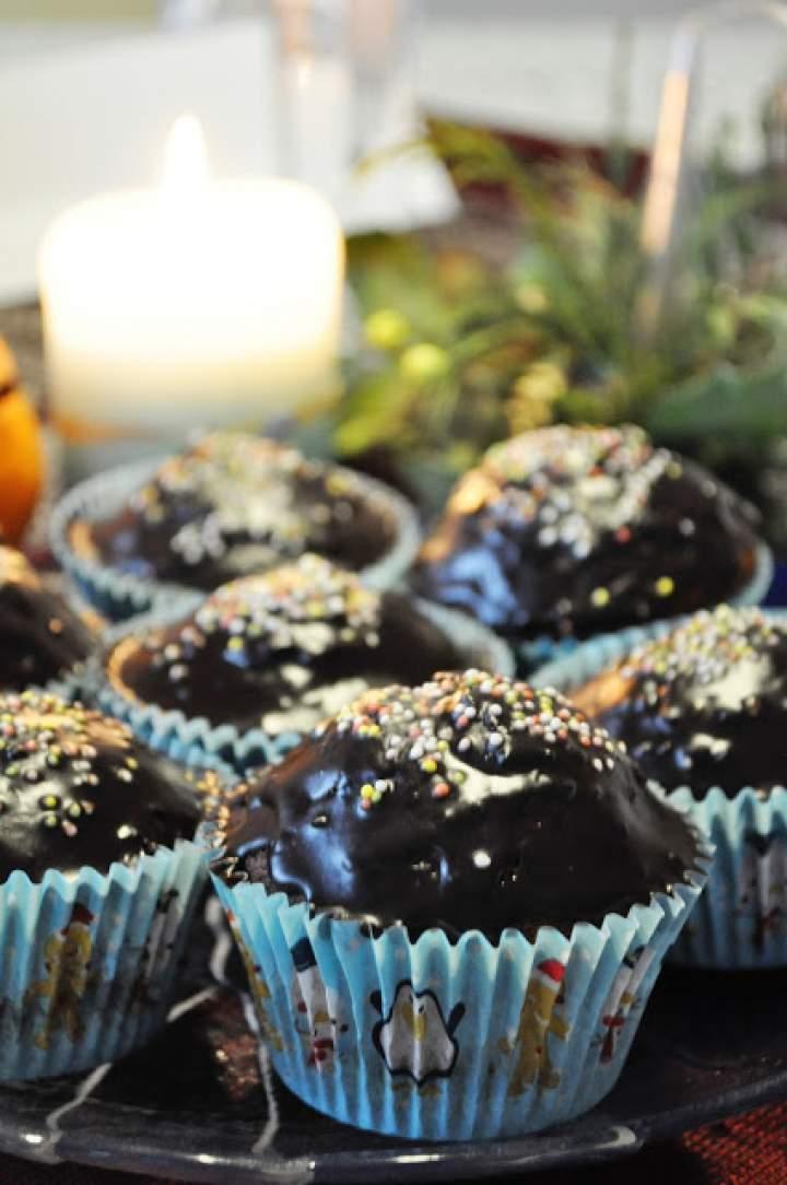 Piernikowe muffinki z powidłami śliwkowymi w czekoladzie