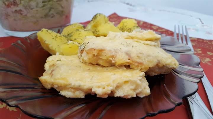 Filet z dorsza zapiekany pod serowo-czosnkową pierzynką