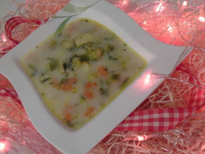 Zupka jarzynowa na żeberkach