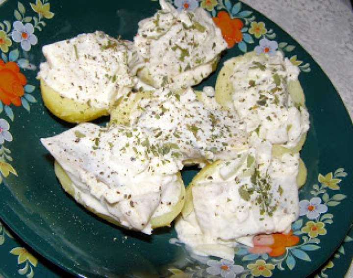 ziemniaki ze śledziem w śmietanie…