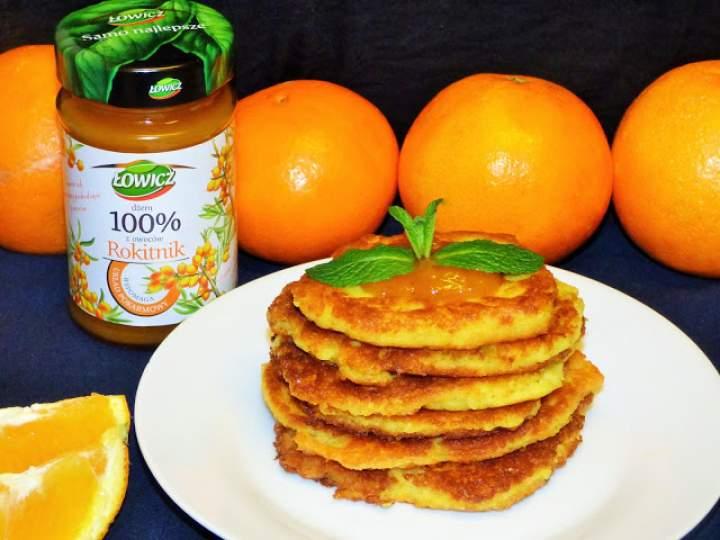 Bezglutenowe placuszki jaglane z nutą pomarańczy i dżemem z rokitnika
