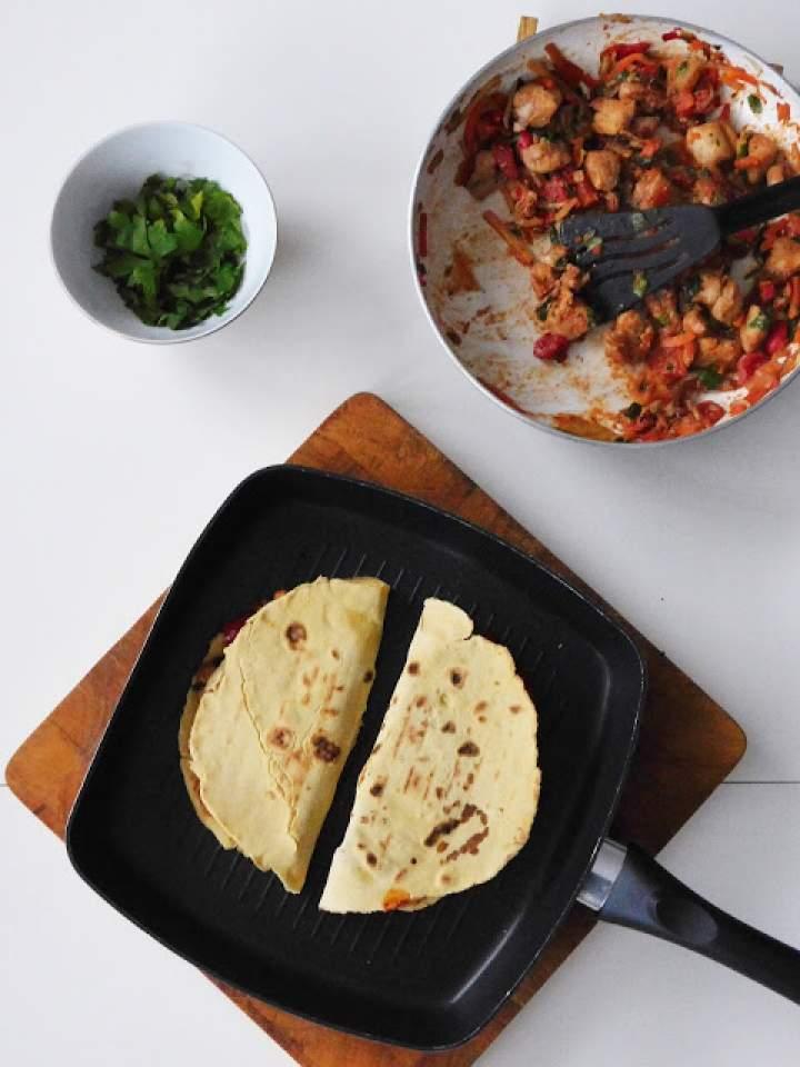 Mini quesadillas z kurczakiem i serem