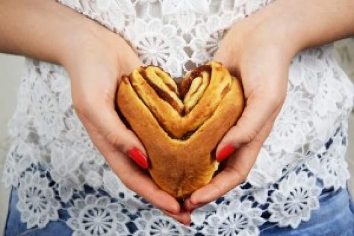 Drożdżowe serca zmarmoladą