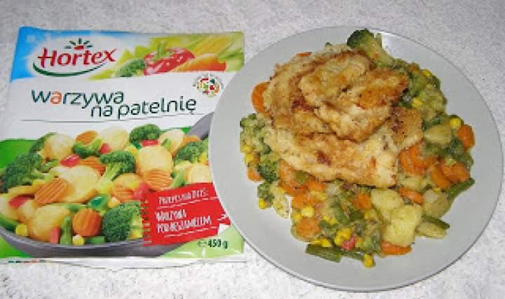 mintaj z warzywami z patelni…