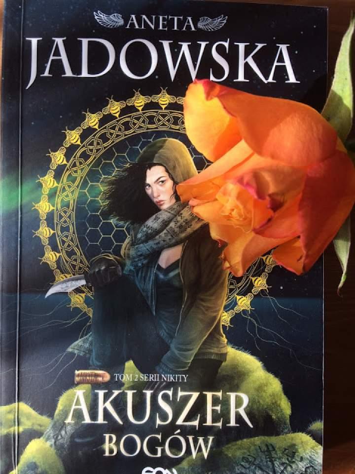 """""""Akuszer Bogów"""" – recenzja książki"""