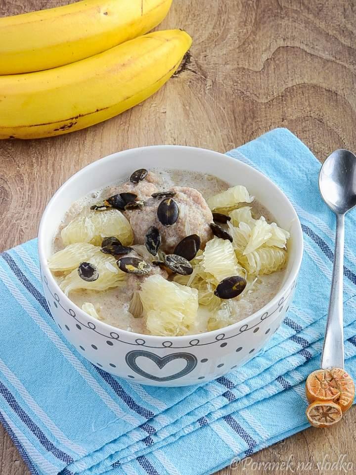 Bananowe knedle na mleku kokosowym.