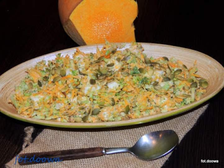Surówka z dyni, brokuła i fety