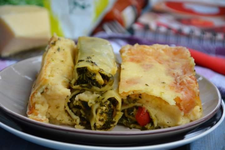 Cannelloni z kurczakiem i jarmużem pod beszamelem