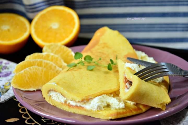 Omlet pomarańczowy z pomarańczowym serkiem