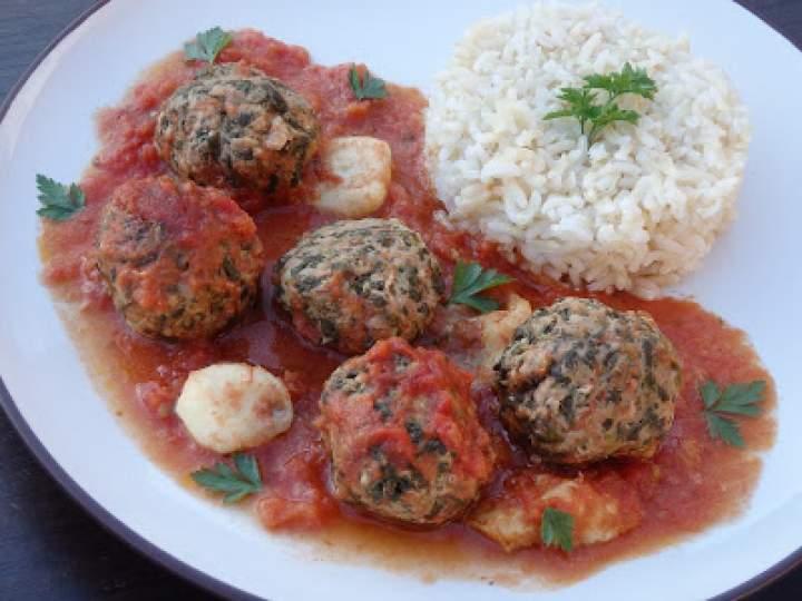 Pulpety zapiekane w sosie pomidorowym i mozzarellą