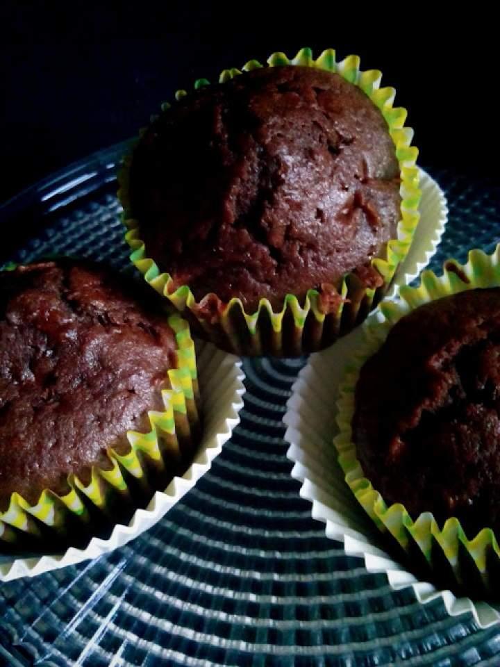Muffinki czekoladowe z jabłkiem