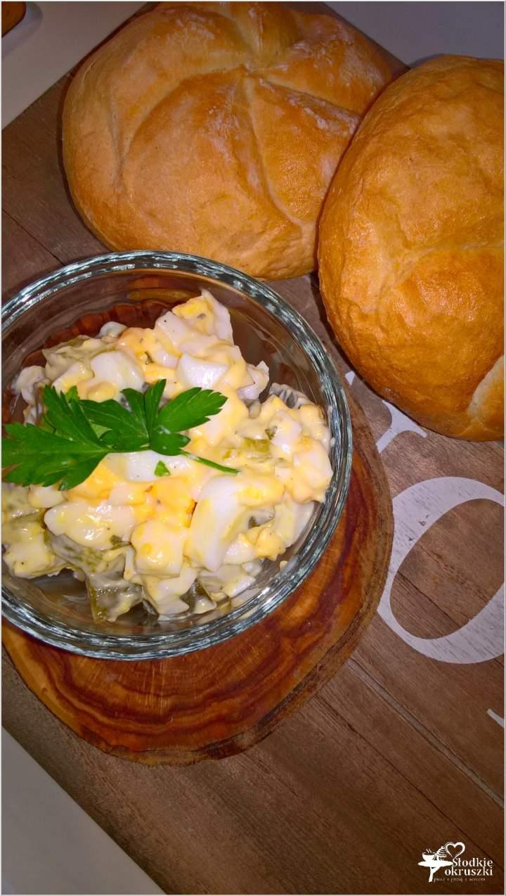 Czosnkowa pasta kanapkowa z ogórkiem