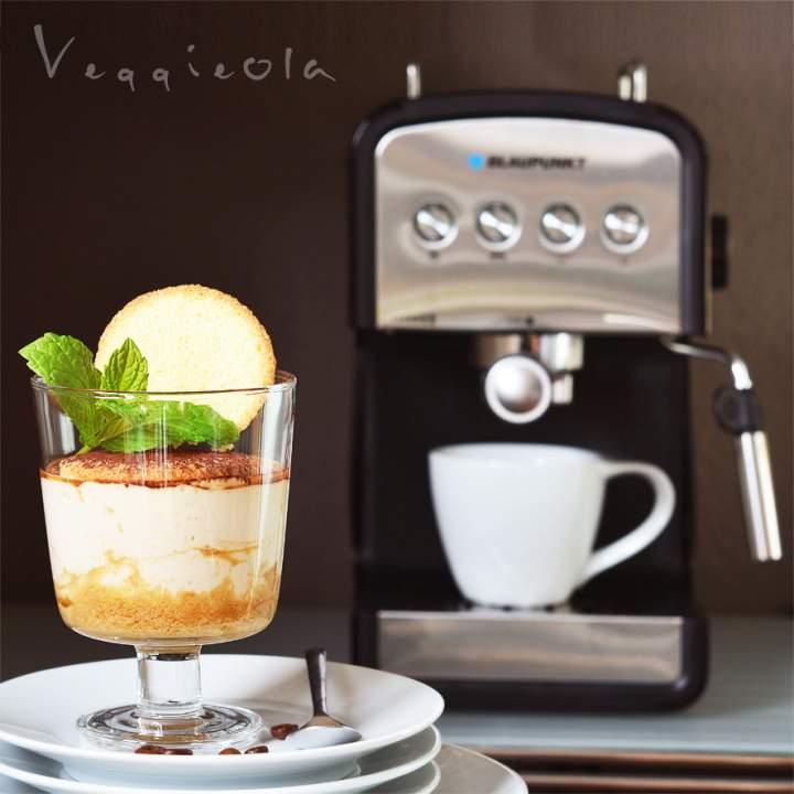 Perfekcyjna kawa i wegański deser tiramisu (test ekspresu)
