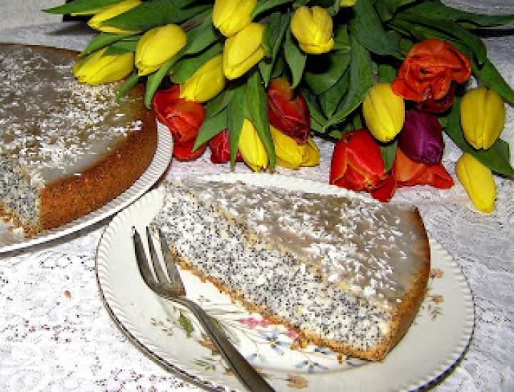 na białkach kokosowo-makowe ciasto…