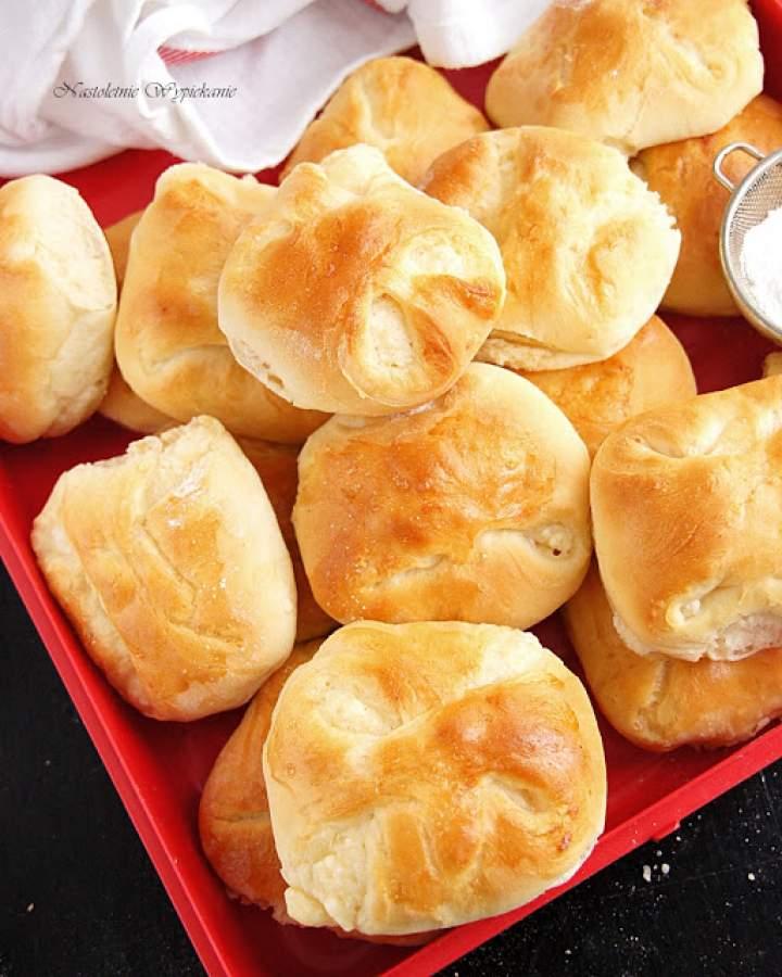 Mini bułeczki z białym serem