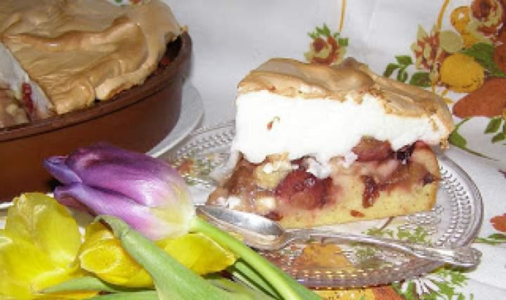 pyszne ciasto mocno owocowe z pianką bezową…