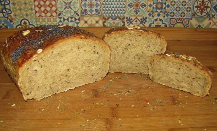 Chleb z surowymi ziemniakami.