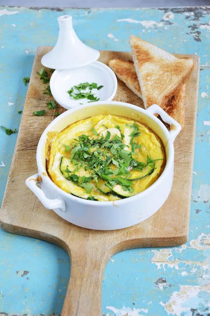 Zapiekany omlet z cukinią i czosnkiem
