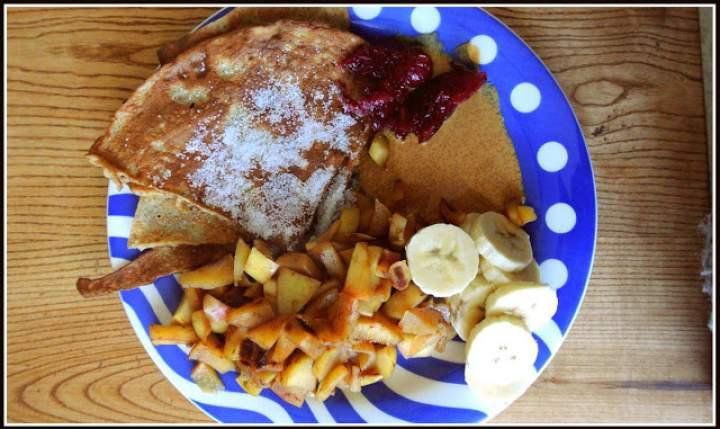 Moje śniadanie- Omlet migdałowy z dodatkami