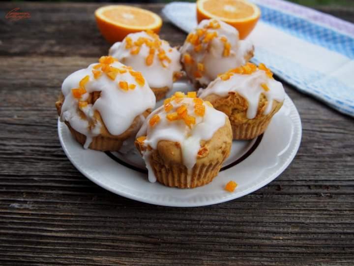 Babeczki mocno pomarańczowe