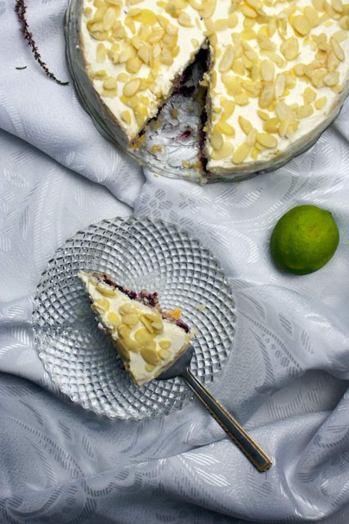 Mini torcik limonkowo-jagodowy