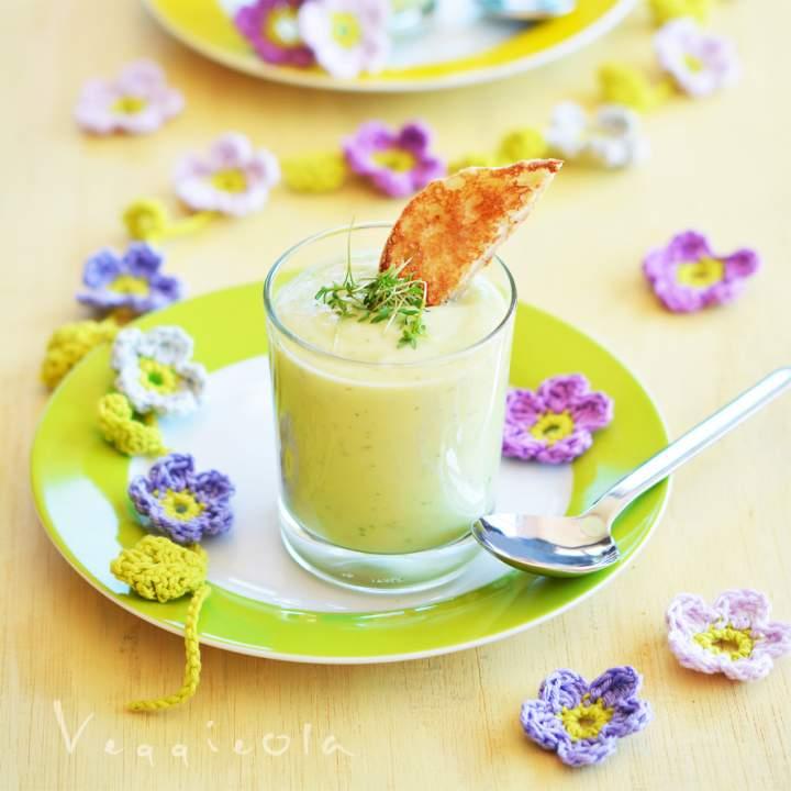 Zupa z awokado i rzeżuchy