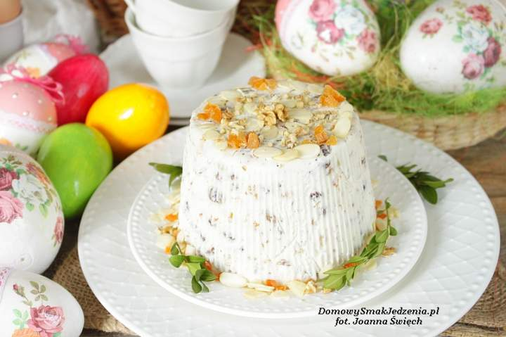 Wielkanocna pascha z bakaliami bez jajek