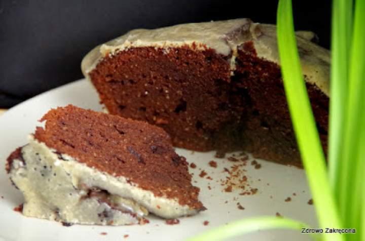Wielkanocna babka czekoladowo-migdałowa niczym brownie. Bez glutenu, naturalnie
