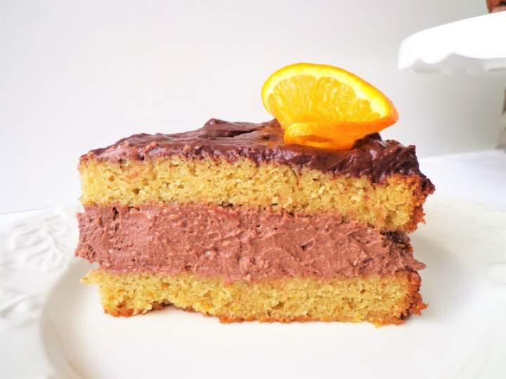 Tort pomarańczowy z kremem z gorzkiej i mlecznej czekolady (Torta all'arancia con crema di cioccolato fondente e crema di cioccolato al latte)