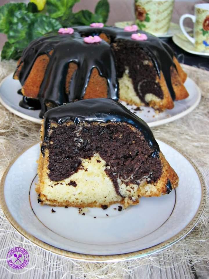 Babka marmurkowa z polewą czekoladową