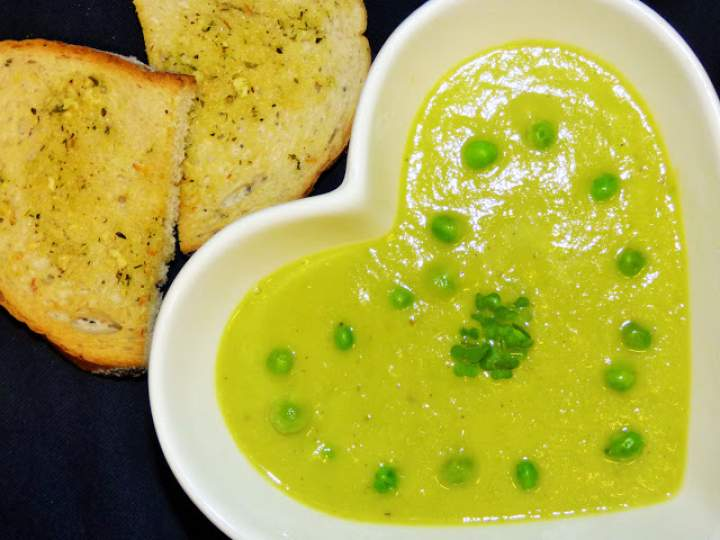 Zupa krem z porów i zielonego groszku