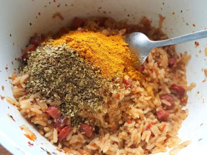 Aromatyczny ryż z kiełbasą