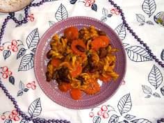 Czerwona fasola w sosie dyniowo-marchewkowym