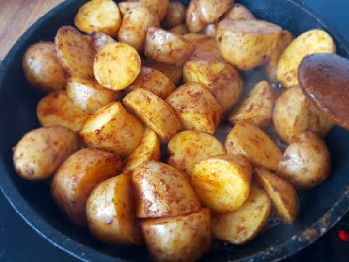 Ostre pieczone ziemniaki