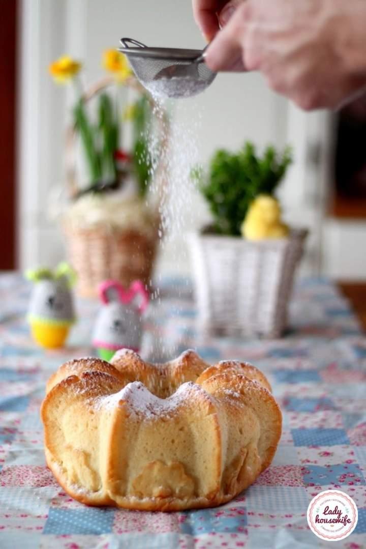 Wielkanocna baba drożdżowa o smaku cytrynowym