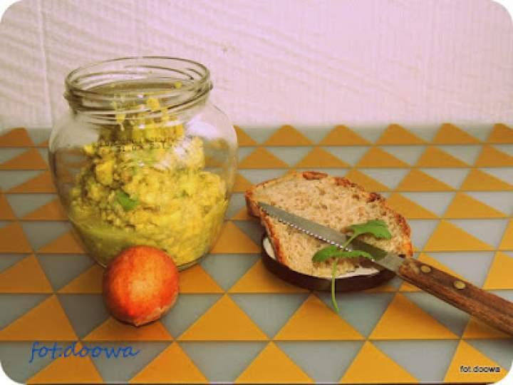 Pasta z awokado, czosnku i siemienia lnianego