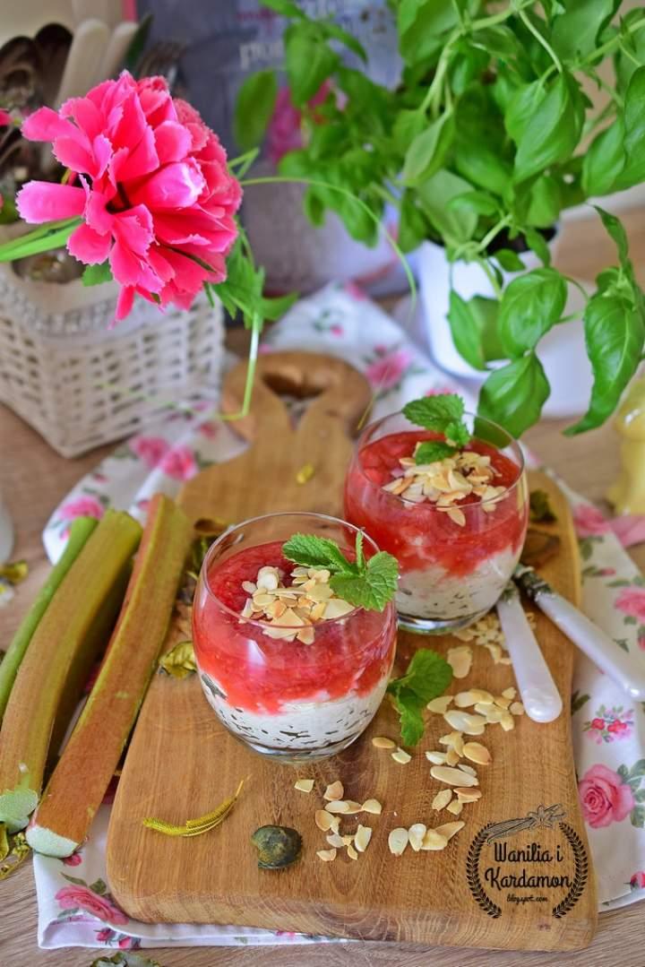 Pudding ryżowy z frużeliną rabarbarowo-malinową