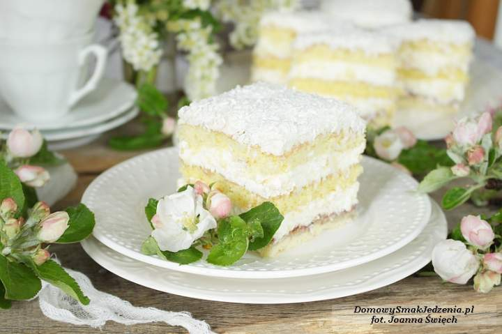 delikatne ciasto a la raffaello
