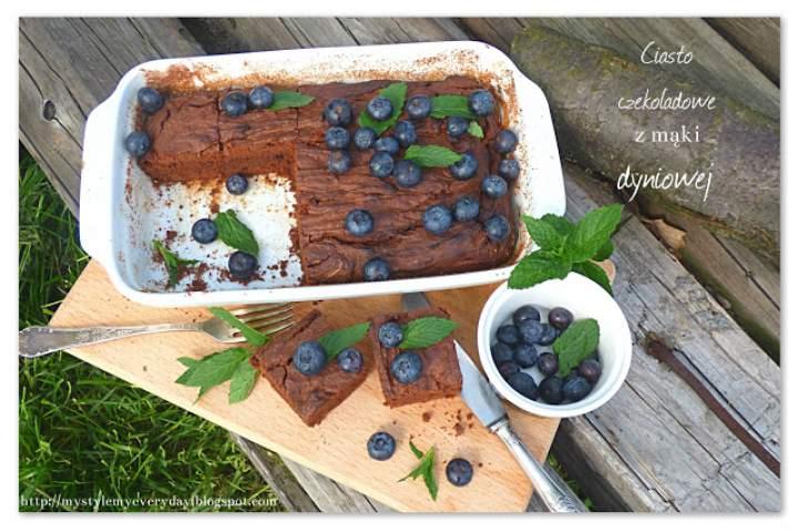 Ciasto z mąki dyniowej w promieniach majowego słońca – Easy Pumpkin Cake